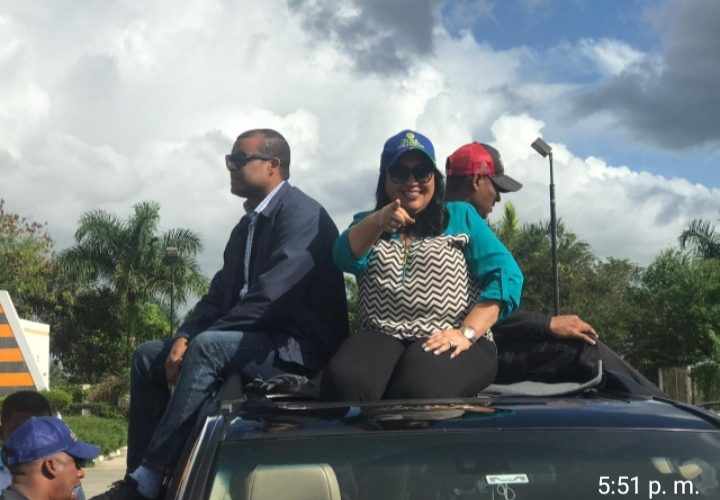Candidata alcaldesa de Guerra Marcia Rosario realiza multitudinaria caravana